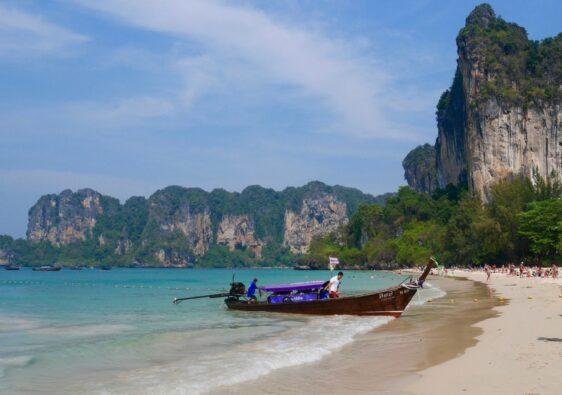 La plage de Railey en Thailande