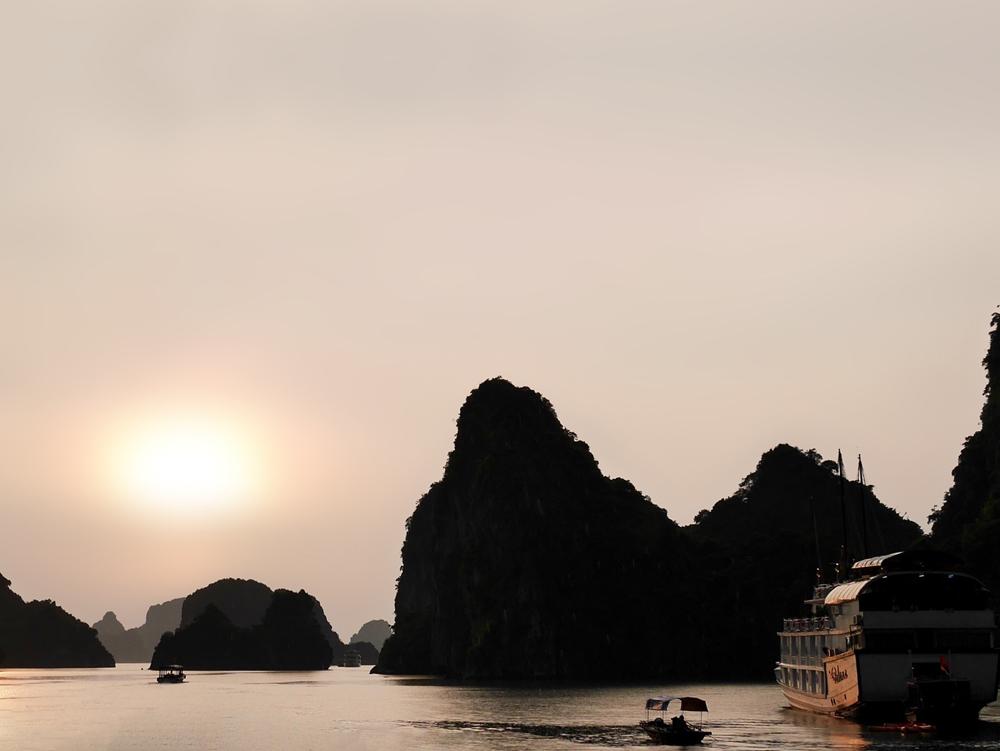 Baie d'halong en jonque