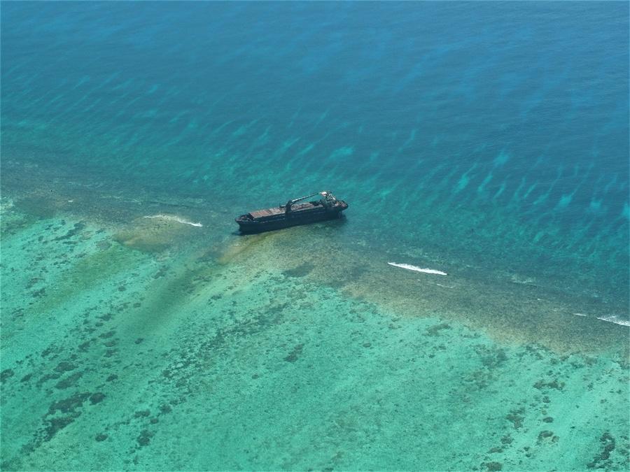 Epave sur la barrière de corail
