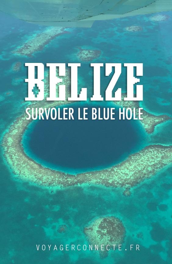 Un survol du Blue Hole au Belize