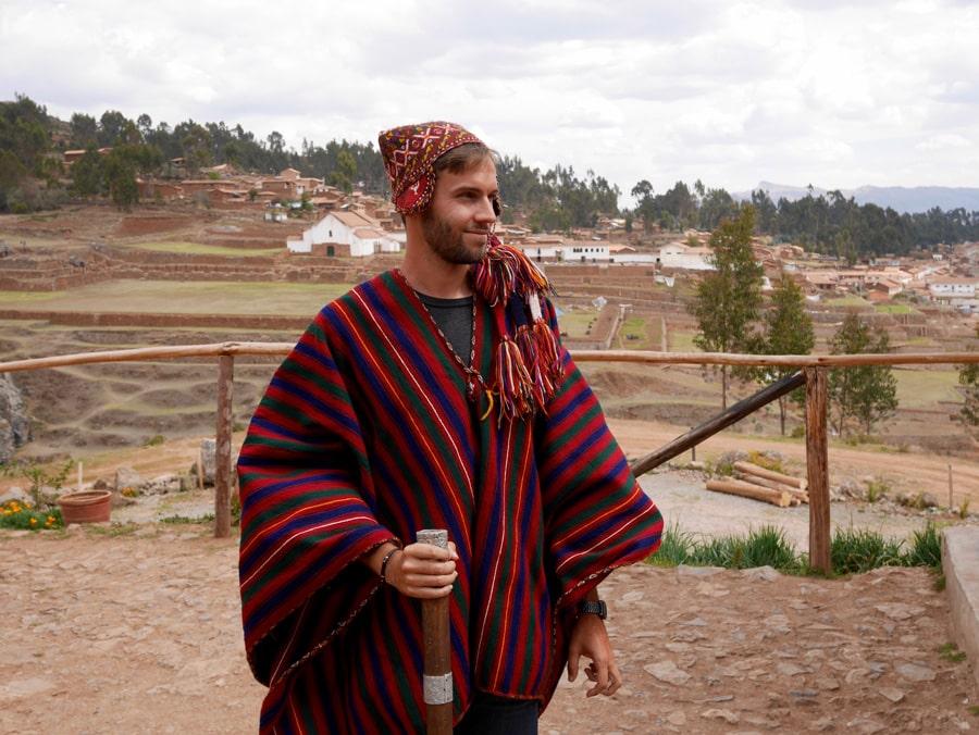 Tenue traditionnelle Pérou