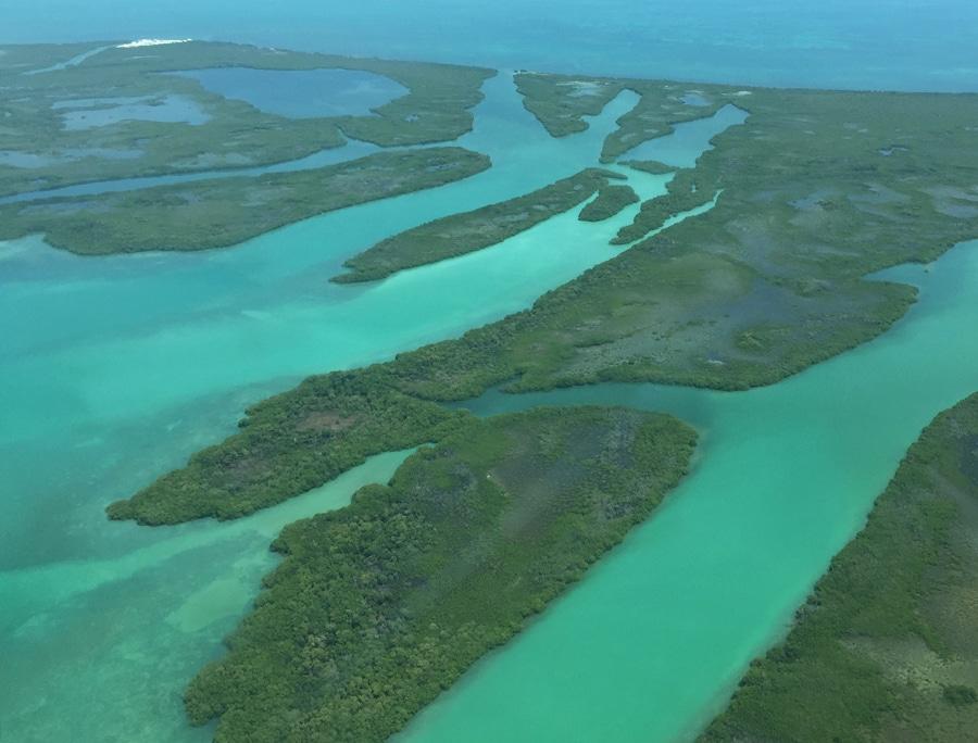 Survol des environs de Belize City